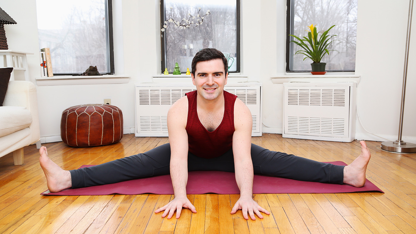 Hunt Parr at the home of a private yoga client in Brooklyn, NY